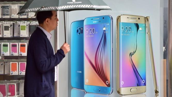 """Lợi nhuận quý I của Samsung giảm """"thê thảm"""" do cạnh tranh với Apple ảnh 2"""