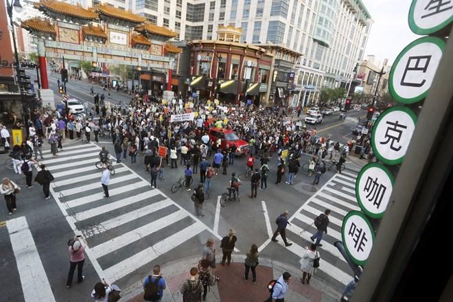 Biểu tình từ Baltimore lan khắp nước Mỹ ảnh 8