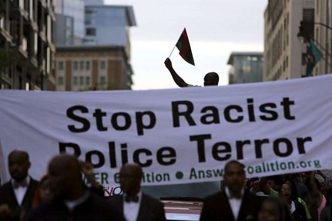 Biểu tình từ Baltimore lan khắp nước Mỹ ảnh 10