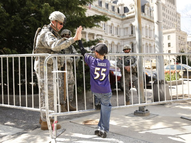 Cận cảnh bạo loạn Baltimore-Mỹ ảnh 22