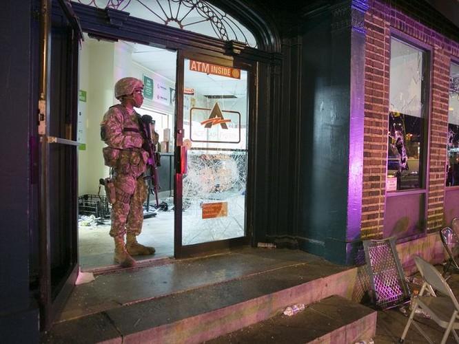 Cận cảnh bạo loạn Baltimore-Mỹ ảnh 1
