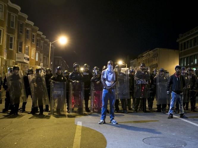 Cận cảnh bạo loạn Baltimore-Mỹ ảnh 4