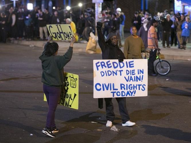 Cận cảnh bạo loạn Baltimore-Mỹ ảnh 6