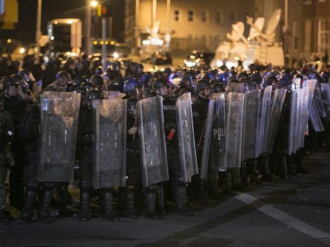 Cận cảnh bạo loạn Baltimore-Mỹ ảnh 9