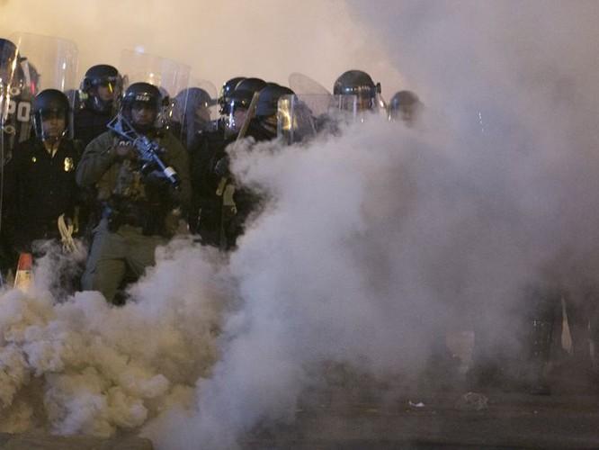 Cận cảnh bạo loạn Baltimore-Mỹ ảnh 10