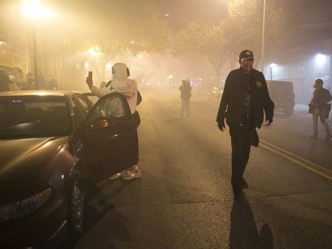 Cận cảnh bạo loạn Baltimore-Mỹ ảnh 11