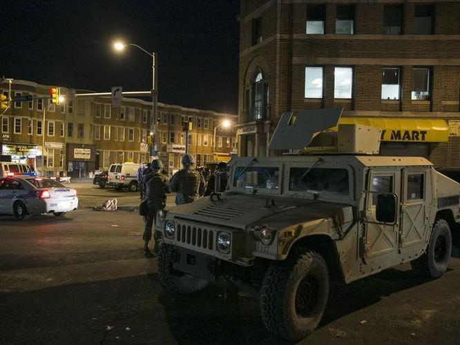 Cận cảnh bạo loạn Baltimore-Mỹ ảnh 13