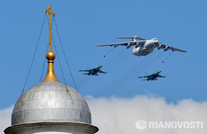 Cận cảnh không quân Nga diễn tập diễu hành trên bầu trời Moscow ảnh 3