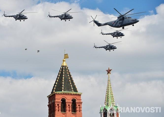 Cận cảnh không quân Nga diễn tập diễu hành trên bầu trời Moscow ảnh 6