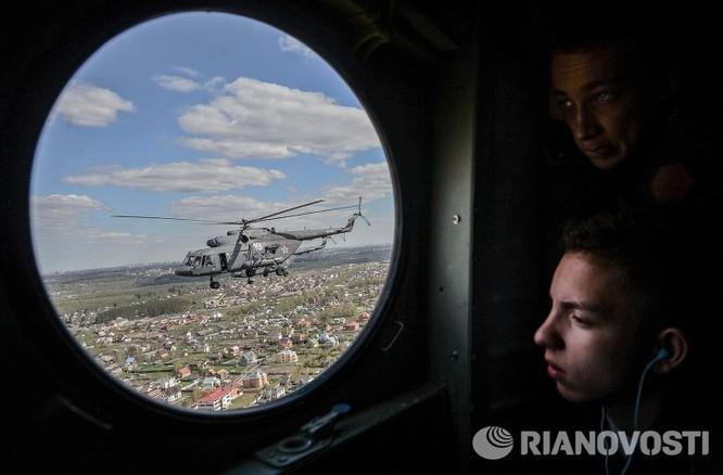 Cận cảnh không quân Nga diễn tập diễu hành trên bầu trời Moscow ảnh 9