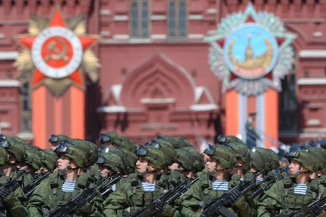 Cận cảnh lễ Diễu binh hoành tráng nhất từ trước đến nay tại Nga ảnh 3
