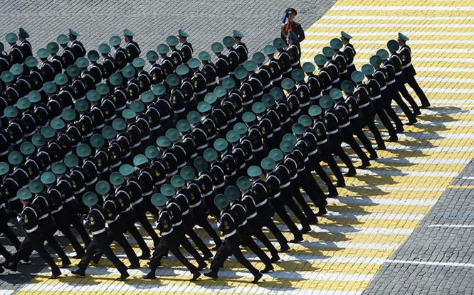 Cận cảnh lễ Diễu binh hoành tráng nhất từ trước đến nay tại Nga ảnh 4