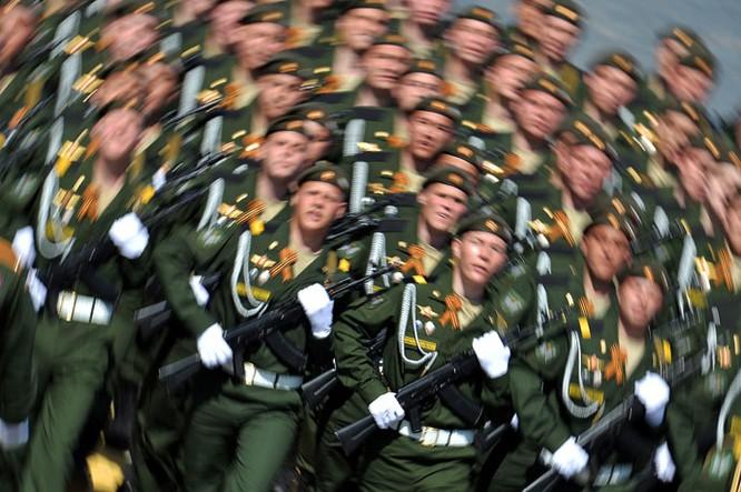 Cận cảnh lễ Diễu binh hoành tráng nhất từ trước đến nay tại Nga ảnh 5