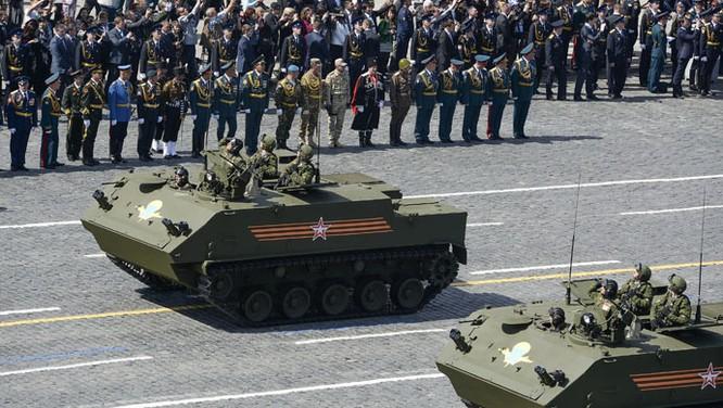 Cận cảnh lễ Diễu binh hoành tráng nhất từ trước đến nay tại Nga ảnh 9