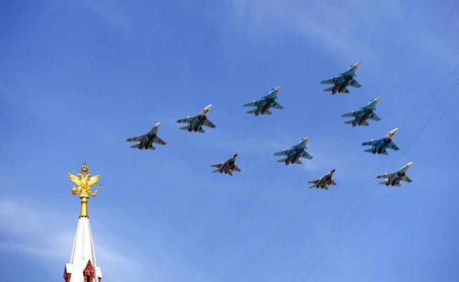 Cận cảnh lễ Diễu binh hoành tráng nhất từ trước đến nay tại Nga ảnh 28