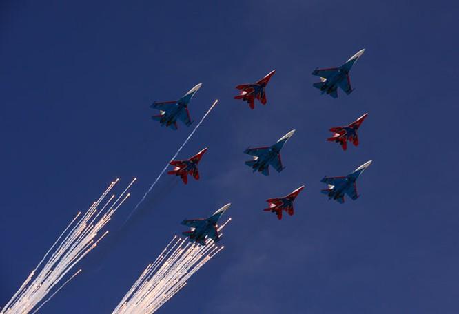 Cận cảnh lễ Diễu binh hoành tráng nhất từ trước đến nay tại Nga ảnh 32