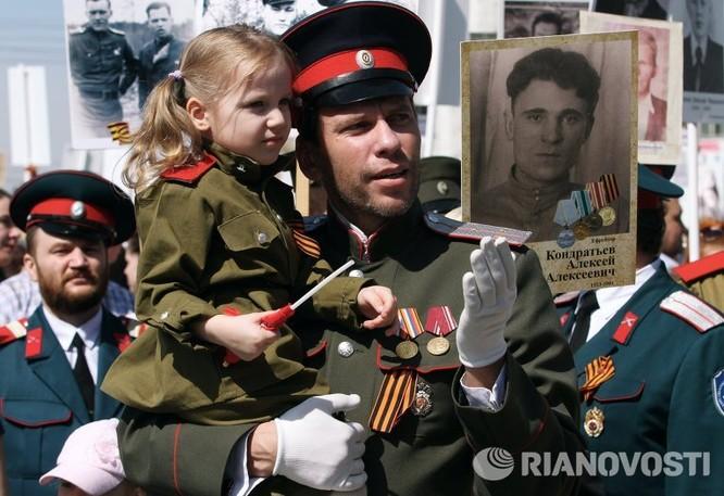 """12 triệu người Nga tham gia tuần hành """"Trung đoàn bất tử"""" ảnh 1"""