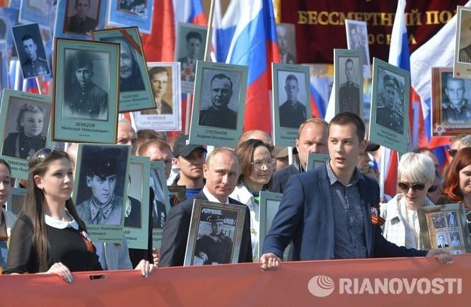"""12 triệu người Nga tham gia tuần hành """"Trung đoàn bất tử"""" ảnh 8"""