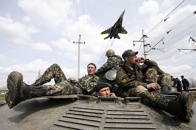 Cận cảnh xung đột Ukraine: một năm thảm họa ảnh 6