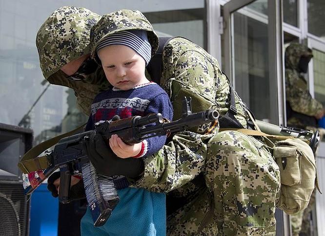 Cận cảnh xung đột Ukraine: một năm thảm họa ảnh 11