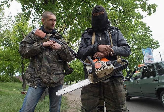 Cận cảnh xung đột Ukraine: một năm thảm họa ảnh 19