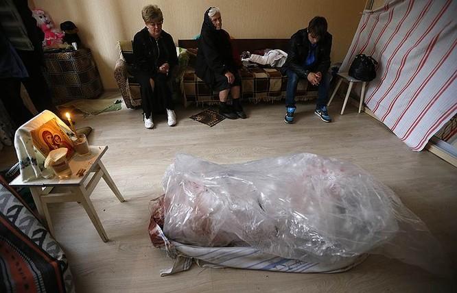 Cận cảnh xung đột Ukraine: một năm thảm họa ảnh 58