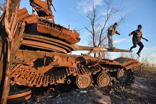 Cận cảnh xung đột Ukraine: một năm thảm họa ảnh 66