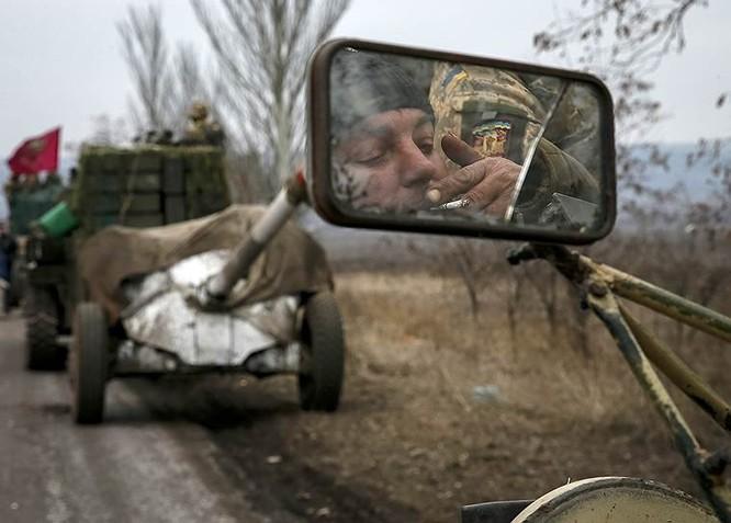 Cận cảnh xung đột Ukraine: một năm thảm họa ảnh 91