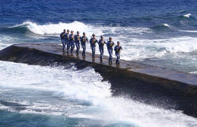 Biển Đông dậy sóng với một loạt biến động ảnh 2