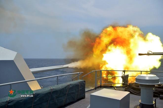Trung Quốc tập trận cả ngày đêm trên Biển Đông ảnh 4