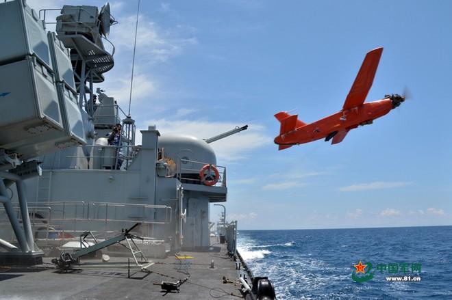 Trung Quốc tập trận cả ngày đêm trên Biển Đông ảnh 6