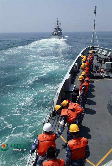 Trung Quốc tập trận cả ngày đêm trên Biển Đông ảnh 8