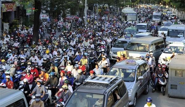 Hàng triệu xe máy đang chạy phải kiểm định, dán tem ảnh 1