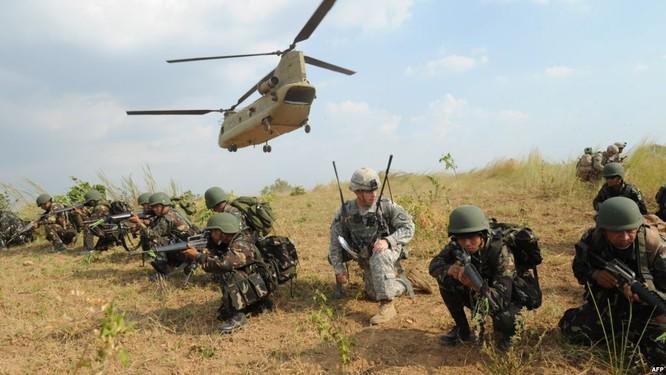 """Mỹ """"bày trận' quyết đấu Trung Quốc trên biển Đông ảnh 3"""
