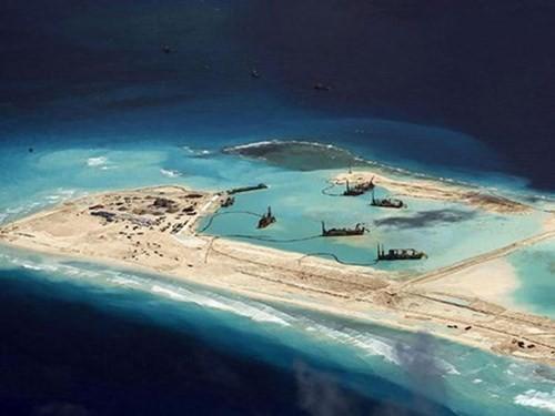 Báo Mỹ: Đảo nhân tạo - bước đầu tiên trong chiến lược thống trị khu vực của Trung Quốc ảnh 1