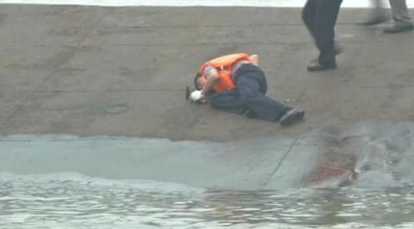 Tàu chở hơn 450 người chìm ở Trung Quốc ảnh 28