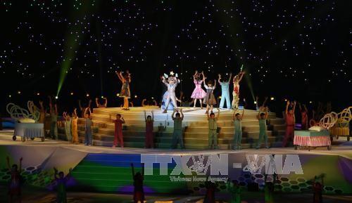 Khai mạc SEA Games 28: Đại tiệc âm thanh, ánh sáng tôn vinh sự phi thường ảnh 2