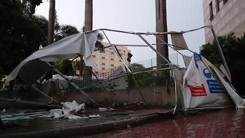 Một người chết, 3 bị thương vì dông lớn tại Hà Nội ảnh 2