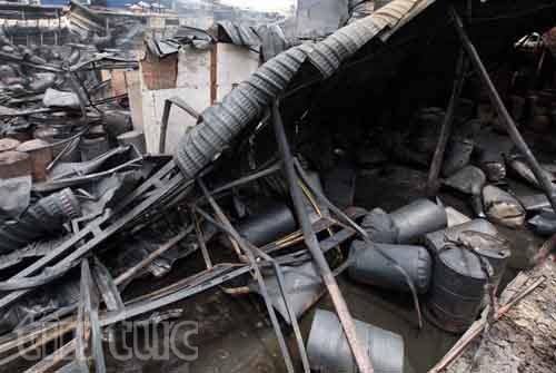 Hiện trường tan hoang sau vụ cháy trong KCN Hoàng Gia ảnh 2