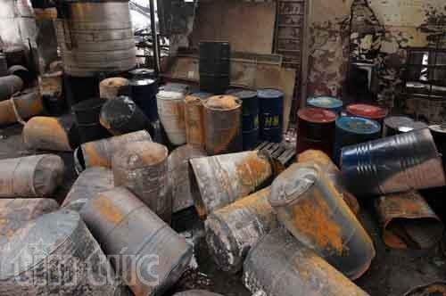 Hiện trường tan hoang sau vụ cháy trong KCN Hoàng Gia ảnh 5