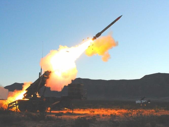 """Nga """"so găng"""" vũ khí khủng với NATO ảnh 16"""