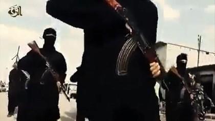 Kinh hãi cảnh IS dìm chết người bị nghi là gián điệp! ảnh 4