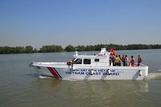 Cảnh sát biển Việt Nam đóng xuồng chống đạn ảnh 2