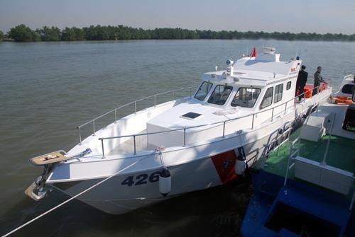 Cảnh sát biển Việt Nam đóng xuồng chống đạn ảnh 3