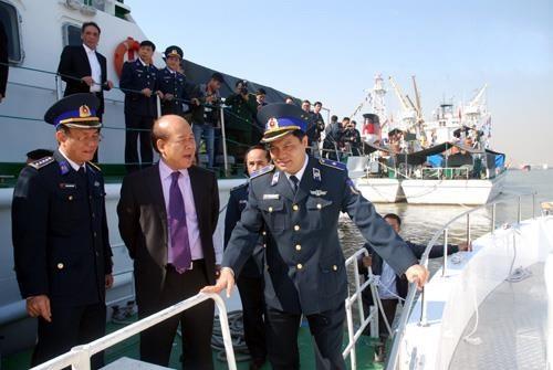 Cảnh sát biển Việt Nam đóng xuồng chống đạn ảnh 4