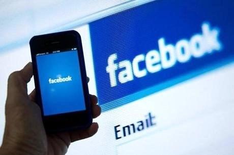"""Người dùng smartphone đang """"đốt"""" thời gian cho Facebook và Google ảnh 2"""