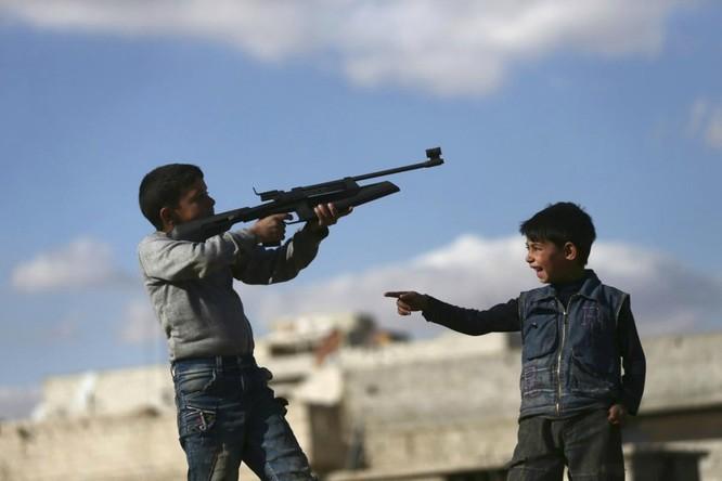 Chùm ảnh trẻ em Trung Đông trong chiến tranh ảnh 5