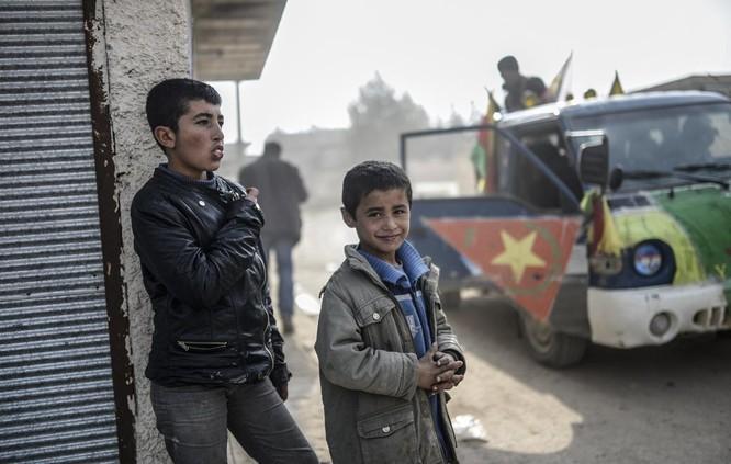 Chùm ảnh trẻ em Trung Đông trong chiến tranh ảnh 19