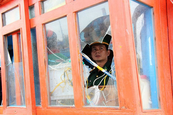 Bị cướp vẫn dũng cảm cứu bạn tàu trên biển ảnh 1