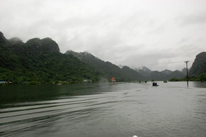 Nước dâng cao, xã đảo ở Hải Phòng biến thành biển hồ ảnh 1